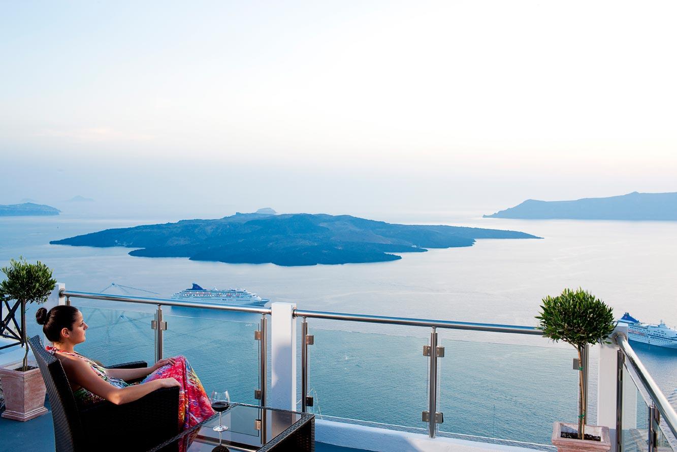 Hoteles en santorini baratos de lujo y con encanto for Hoteles de lujo baratos