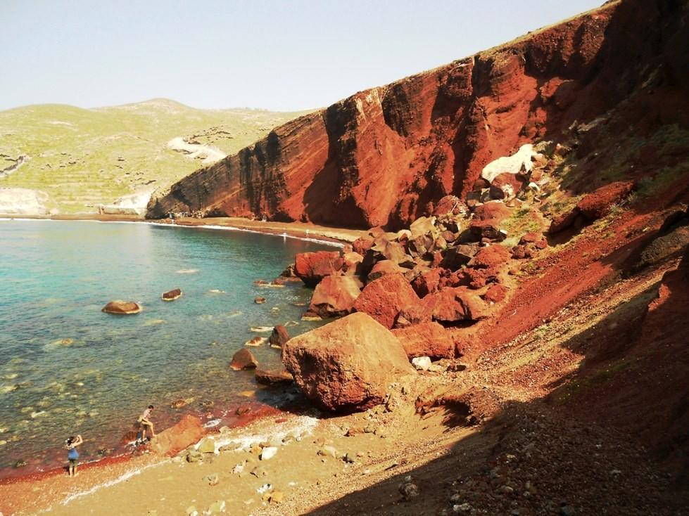 santorini-playa-roja